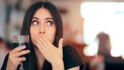 Waspada Moms, Ini 5 Penyebab Cegukan Setelah Makan