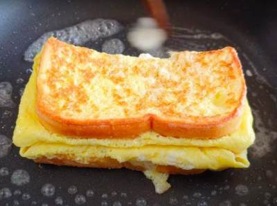 Resep One Pan Egg Toast
