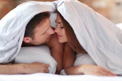Seks Bikin Kulit Makin Glowing, Ini 6 Alasannya Moms!