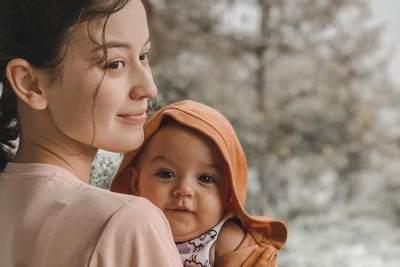 Alami Pendarahan, Kimberly Ryder Berhenti Menyusui Anaknya