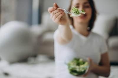 Makan dalam Porsi Kecil