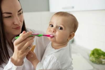 Manfaat Oatmeal Sebagai MPASI Bayi Terbaik, Kapan Perlu Khawatir?