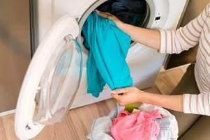 Mencuci Baju Sehabis dari Luar