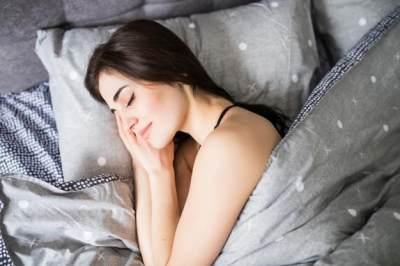 6 Manfaat Tidur Sebelum Jam 10 Malam, Lebih Produktif dan Bikin Awet Muda, Moms!