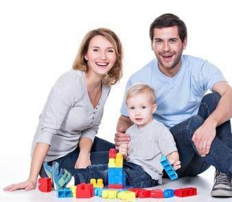 Stimulasi Anak dengan Permainan Sederhana di Rumah