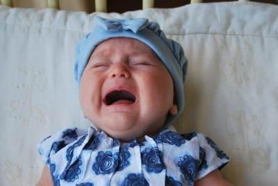 Moms Perlu Tahu, Ini Cara Mengatasi Sariawan yang Tepat Pada Bayi